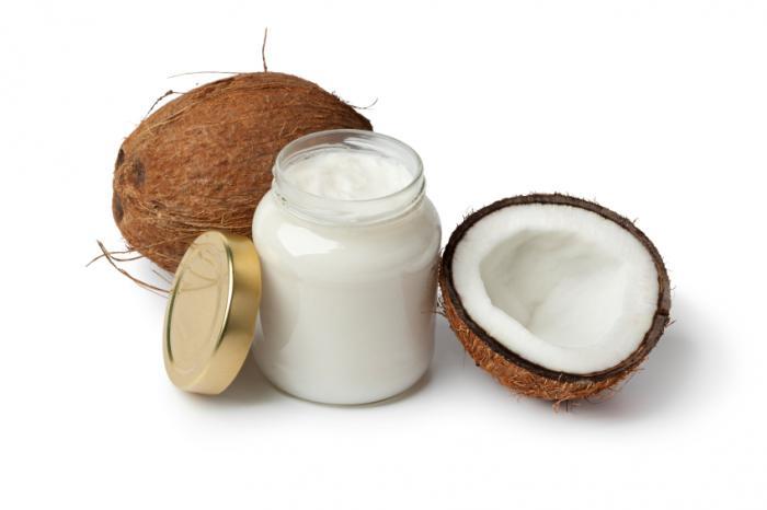Uleiul de cocos pentru tratarea parului